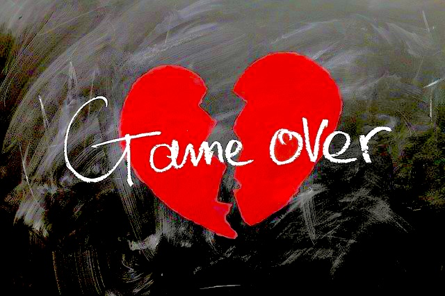Kaputtes Herz mit dem Text: Game over