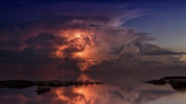 Gewitterwolken türmen sich auf
