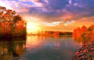 Herbstliche Seenlandschaft