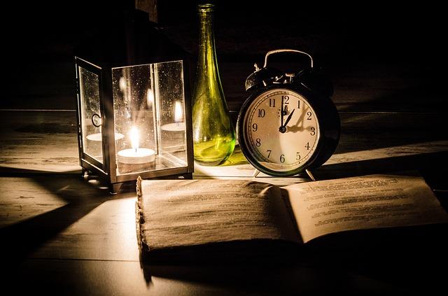 Bis in die Nacht lesen kann ein Einschlafritual sein.